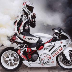 Аэрография на спортивном мотоцикле Дукати.