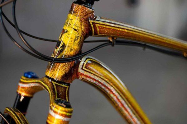 Аэрография на фелосипеде лев