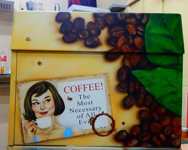 Аэрография кофемашины пинап