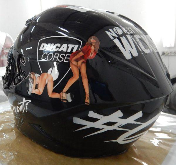 Аэрография на мотошлеме - Wicked Ducati Black